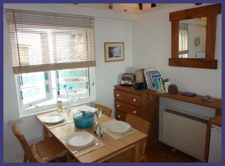 Kitchen Dining Room Chough Cottage Holiday Cottage In